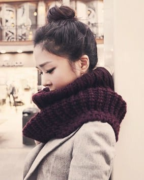 5 Winter Style Essentials - Chunky Knit Scarf and bun - so cute!