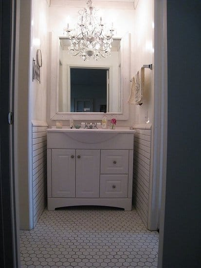 Adding a chandelier to a small bathroom is a great idea too - home decor ideas by yesmissy.com