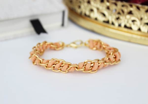 DIY suede and chain bracelet tutorial