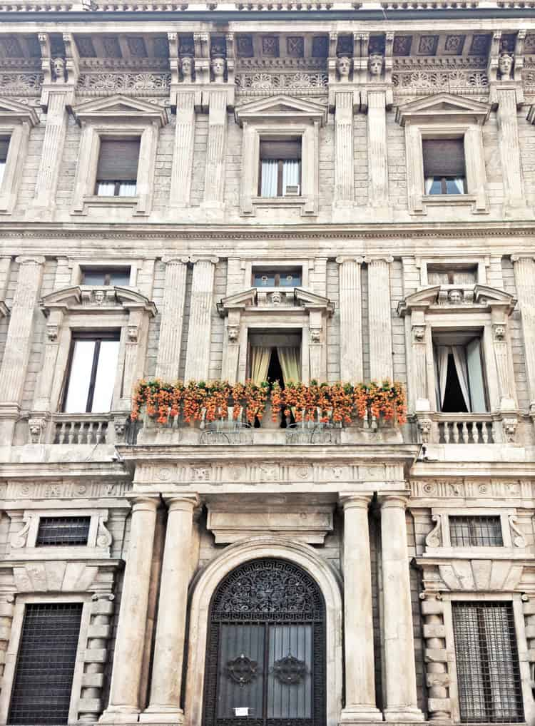 Travel Diary Milan: beautiful architecture every where you go