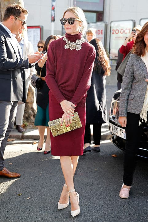 Make head-to-toe color work for the office by opting for burgundy or navy. Keep your silhouette simple with a turtleneck sweater and classic pumps, but take the opportunity to rock some statement jewels. Read on for more pencil skirt style inspiration