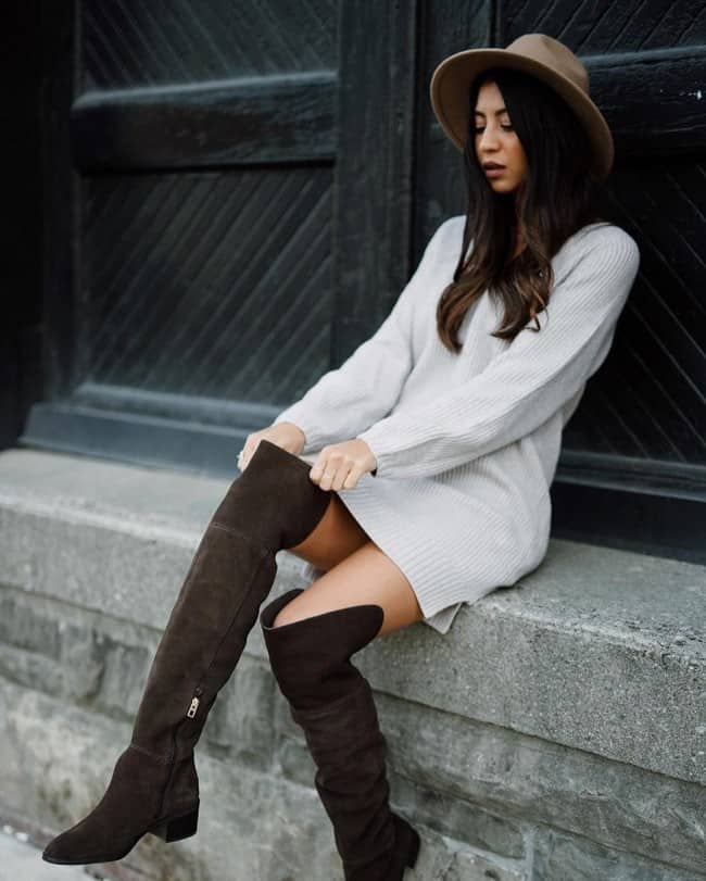 Winter looks: Over the knee books and oversized sweaters