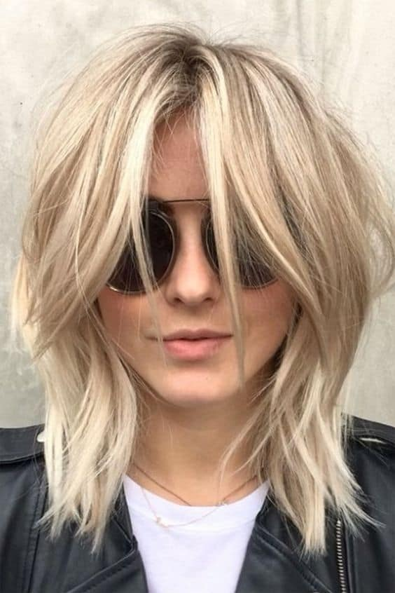 Kinda of obsessed with Julianne Hough's 'shag' haircut. Perfect layers!