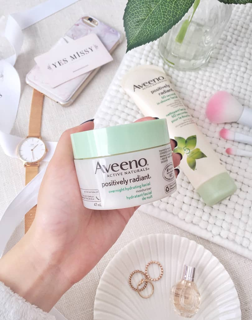 AVEENO® is the Positively Radiant Overnight Hydrating Facial provides the benefits of a facial, while you snooze.