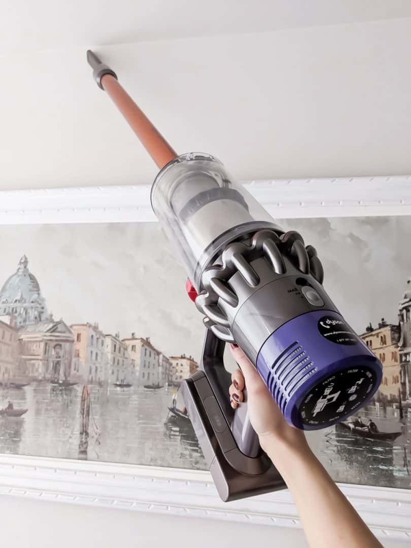 Reach hard to reach corners with the attachments Dyson Cyclone V10