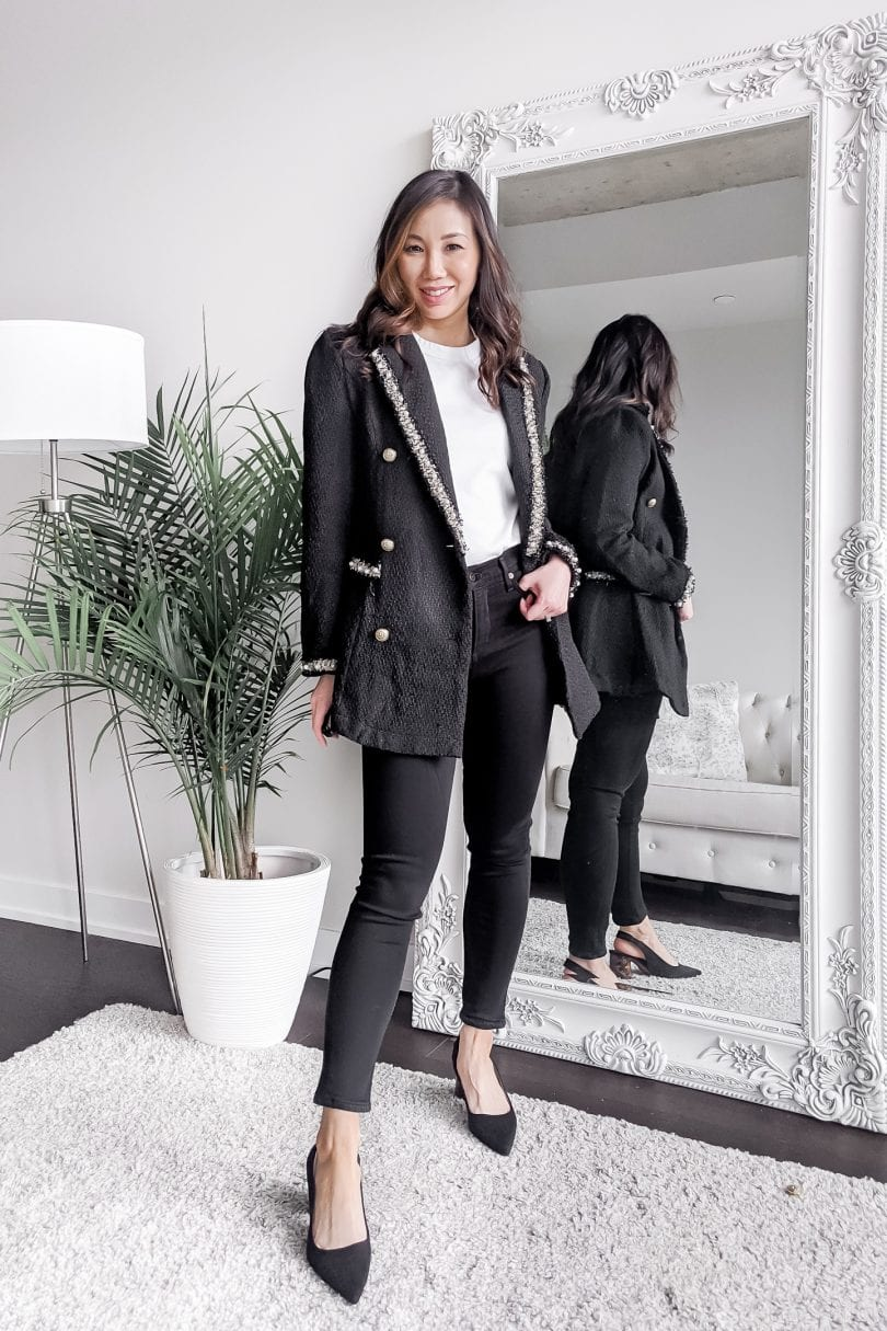How to wear a white t-shirt for work -  jeans and blazer business casual outfit from yesmissy.com