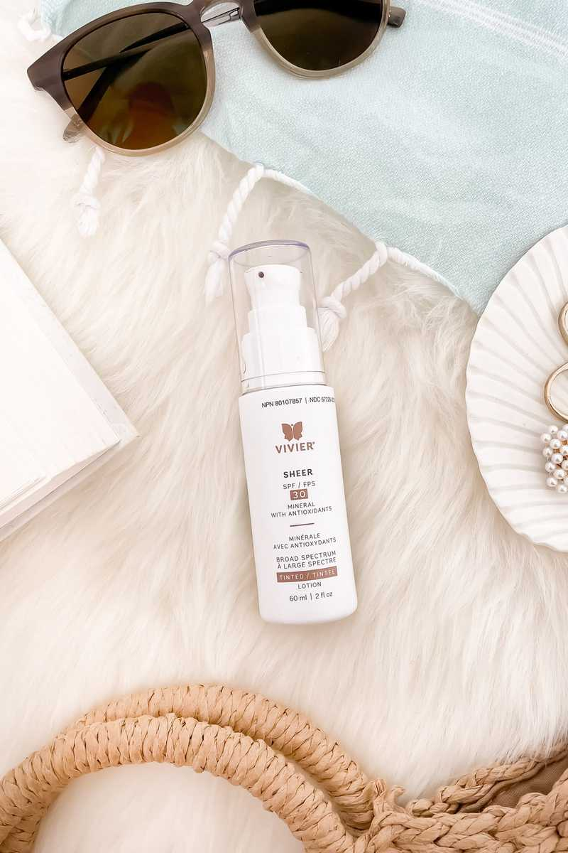 The Vivier tinted mineral sunscreen is lightweight and blends into the skin beautifully with a slight tint to perfect the skin. Great for sensitive skin types as well! More on yesmissy.com
