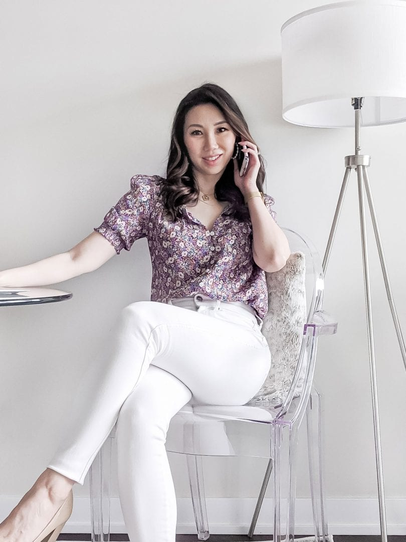 Spring/Summer Outfit ideas for white jeans - floral top and white skinny jeans from Evernew Melbourne. Casual workwear outfit with floral top and white jeans.