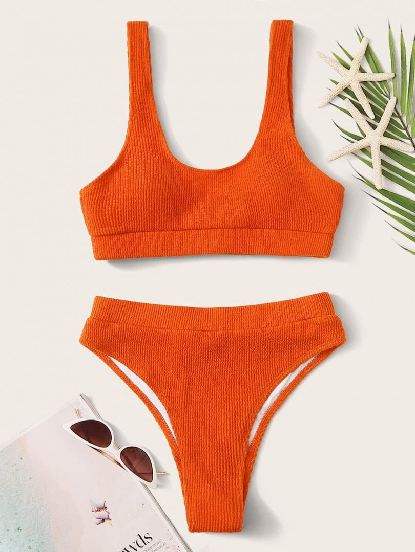 Flattering swimwear looks for all bodies - high waisted bottoms to lengthen legs and add shape... more at yesmissy.com