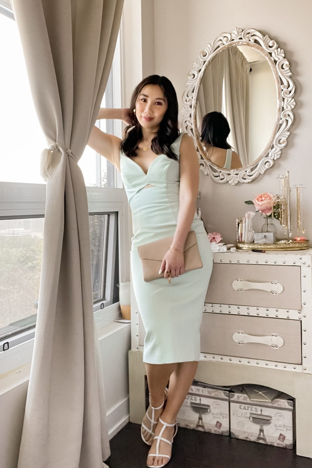Dressed to impressed in this chic pastel mint mini dress with cut out details. This is the perfect special occasion dress that's elegant and oh so flattering in all the right places. Check out more outfit ideas on yesmissy.com