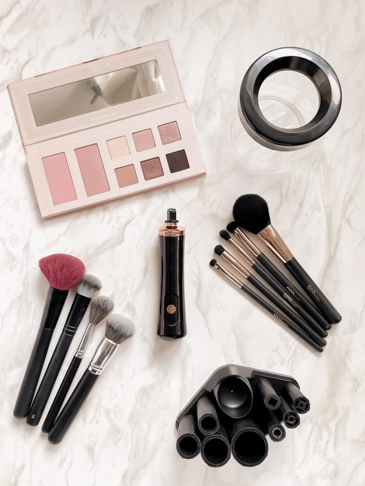Learn how to clean your makeup brushes easily and effectively with the electric makeup brush cleaner set. more on yesmissy.com
