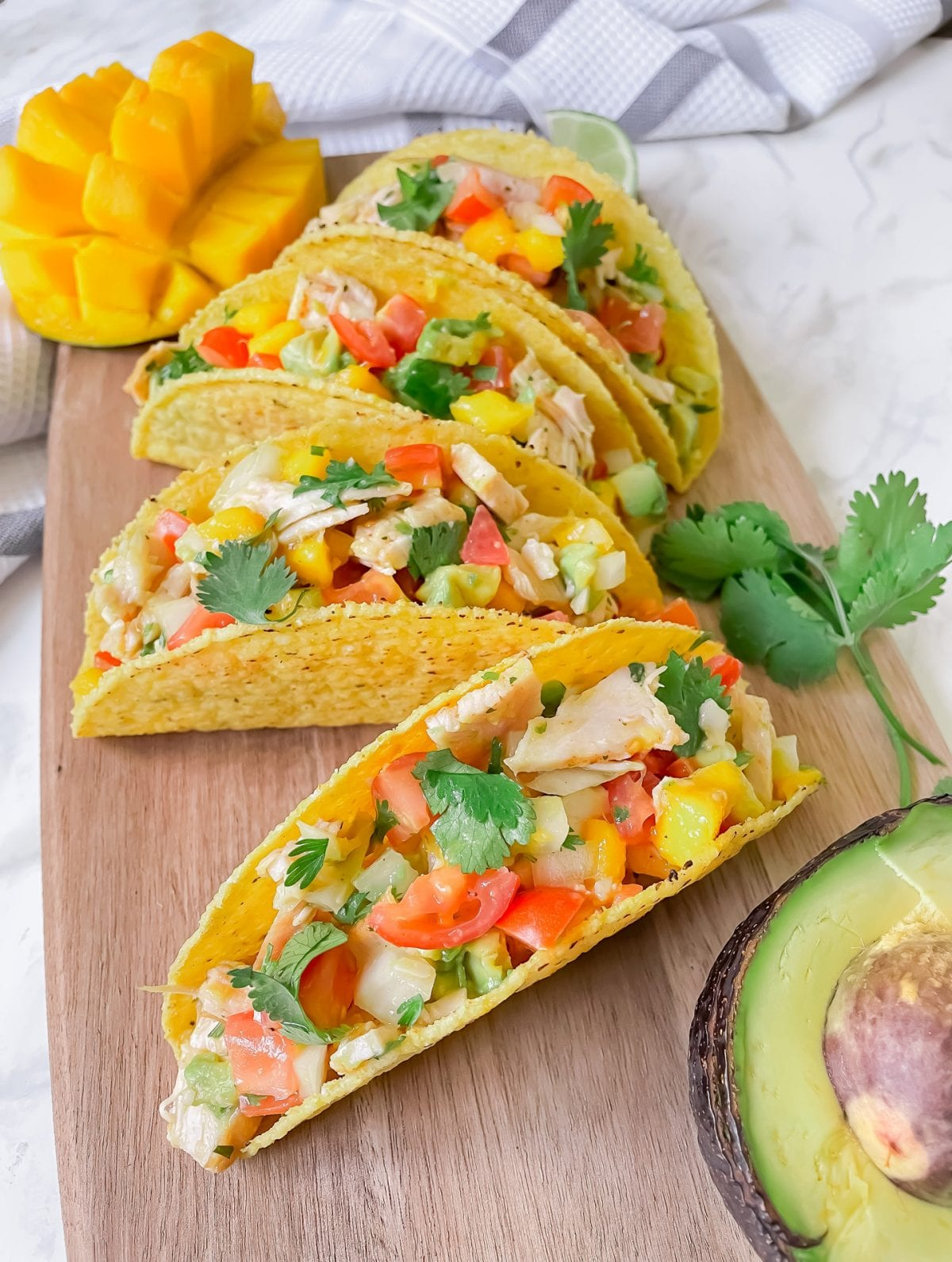 Heathy Recipes - Turkey tacos with mango avocado salsa. This easy recipe is healthy, tasty and packed with lean protein. Check out yesmissy.com for the full recipe.