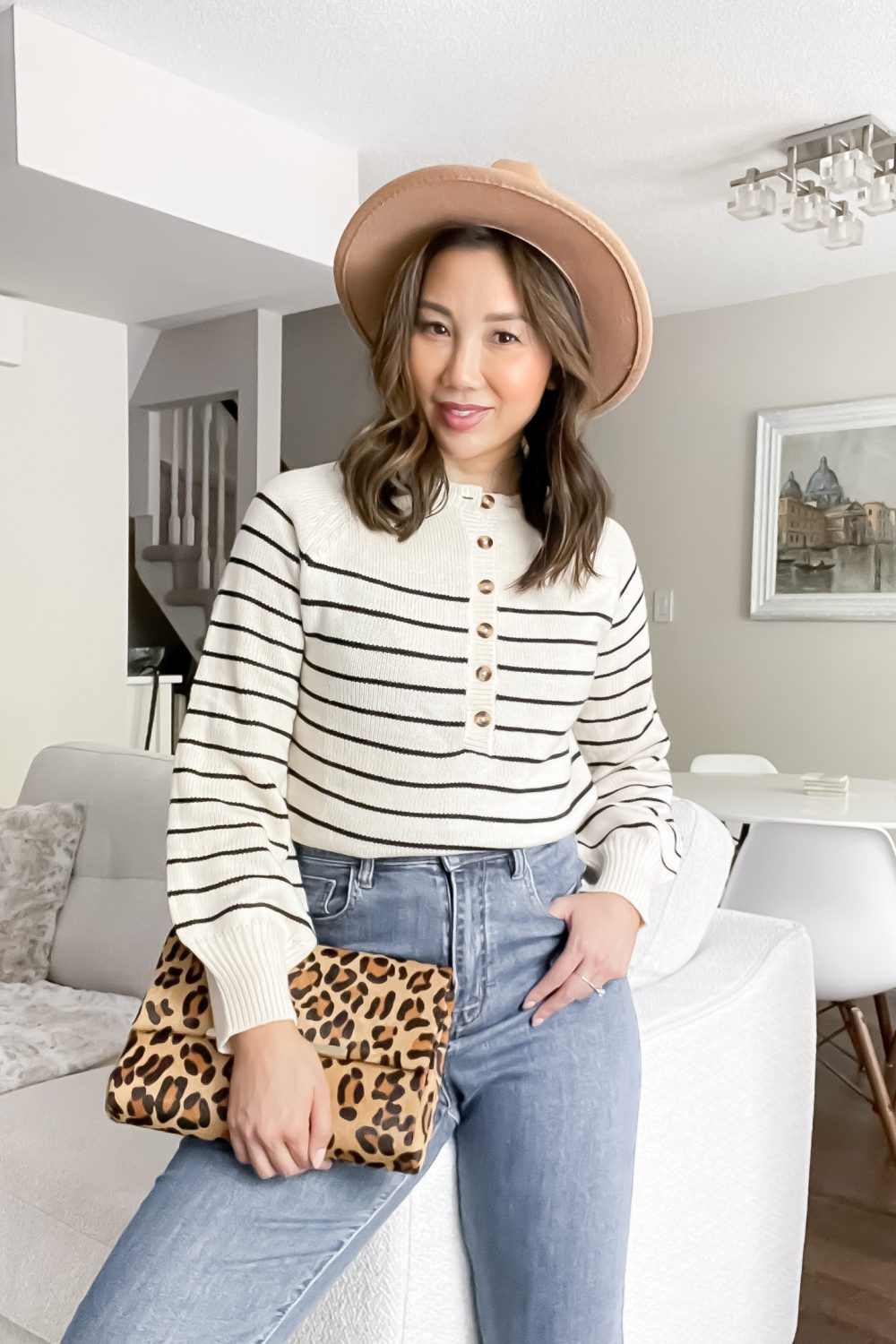 Fall outfit with striped sweater, mom jeans, wool hat and leopard bag. Styled by Canadian Lifestyle Blogger Eileen Lazazzera of yesmissy.com
